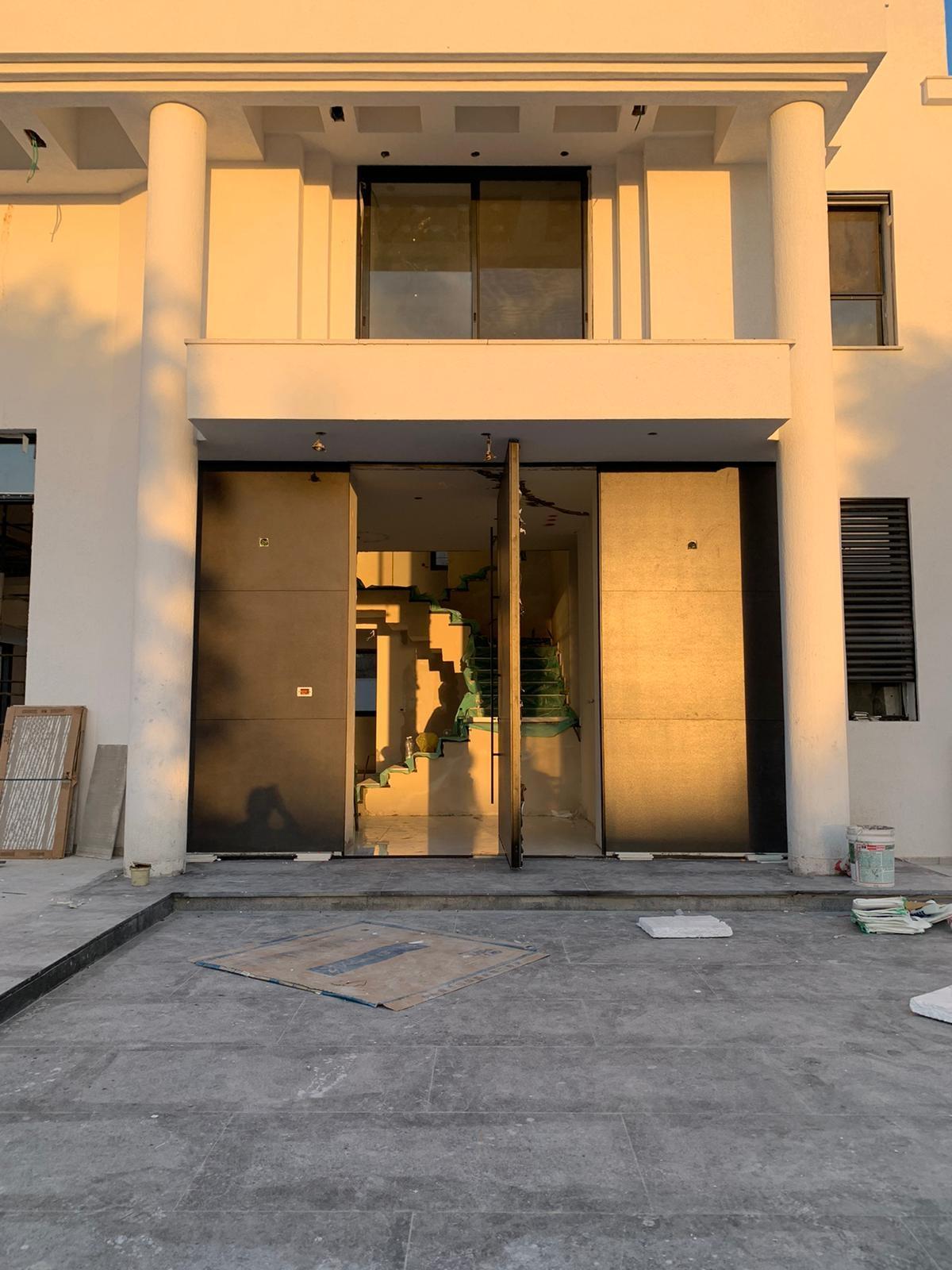 דלת כניסה פיווט חיפוי גרניט פורצלן